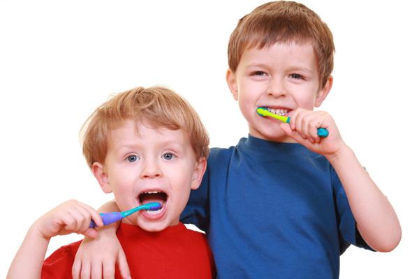 El cepillado de dientes en los niños